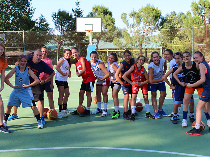 The inscription for the 30th Summe Camp of Valencia Basket is open